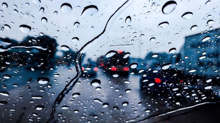 driving in rain 2 750x420 1